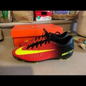 Nike Mercurial Vortex III FG 3 Men's 11 Crimson